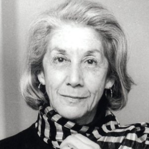 https://frisbeebookjournal.files.wordpress.com/2010/08/gordimer.jpg